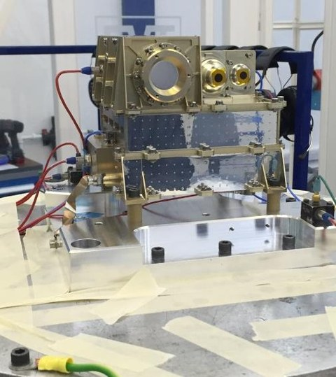 The vibration tests on EPT-HET2